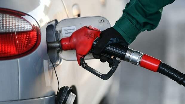 Эксперты развеяли три самых популярных мифа о бензине среди российских водителей
