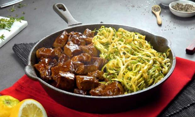 Протыкаем кабачок дрелью и делаем вкусноту из макарон