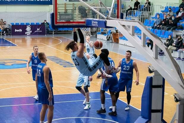 Ижевские баскетболисты «Купола-Родников» одолели БК «Новосибирск»