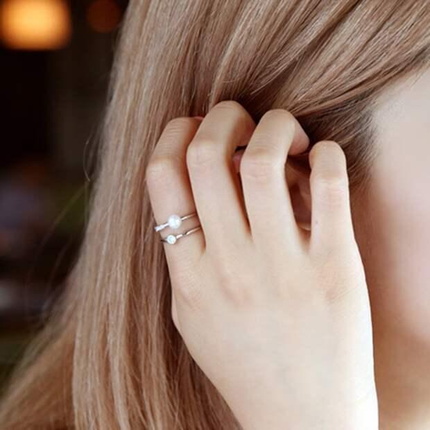 На каких пальцах можно носить кольца: значение аксессуара