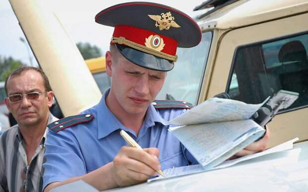 Хитрость водителей: протокол в руки не брать (юрист все объяснил)