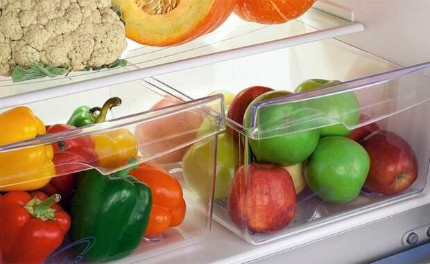 Овощи фрукты лучше не хранить целыми. / Фото: polsov.com