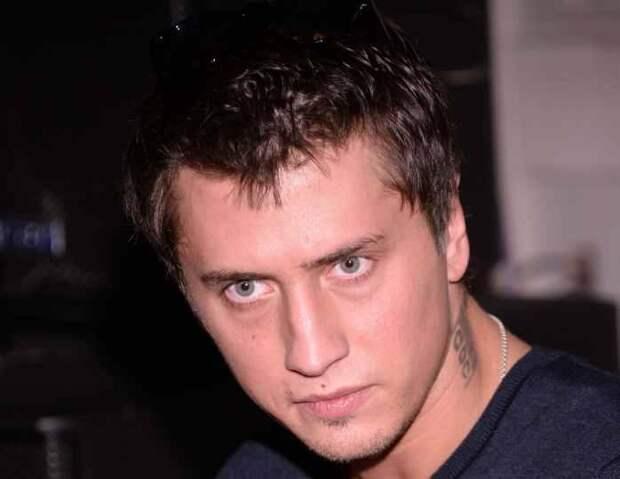 «Мира – няня моих детей»: Прилучный до сих пор не представил друзьям Карпович как свою девушку