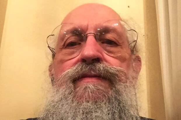 «Надоело ловить за язык»: Вассерман ополчился на Малахова