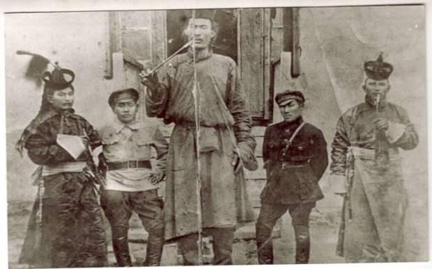 Зачем большевики искали Шамбалу в 1925 году?