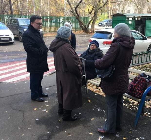 Состояние жилых домов и дворов проверили во время субботнего обхода в Алтуфьеве