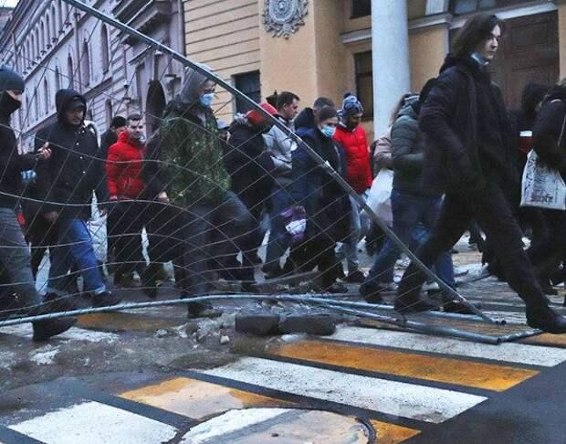 Полицейские обманом вызывают людей на допросы по делу о перекрытии дорог на акциях протеста 23 января
