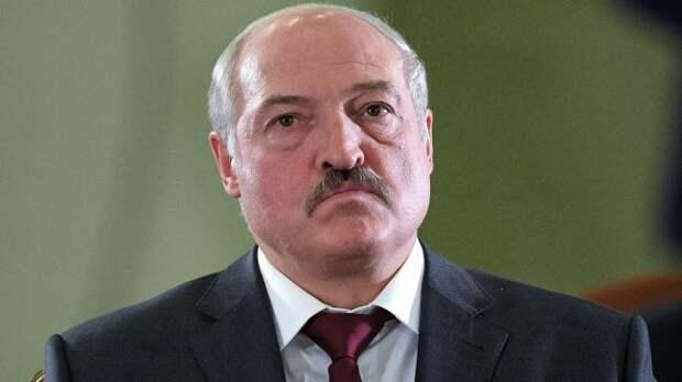 Макрон рассказал, почему Лукашенко непопал под санкции Евросоюза