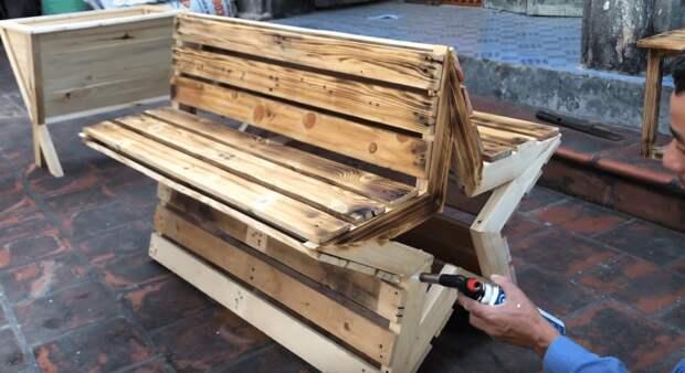 Оригинальная и функциональная скамейка из простых материалов