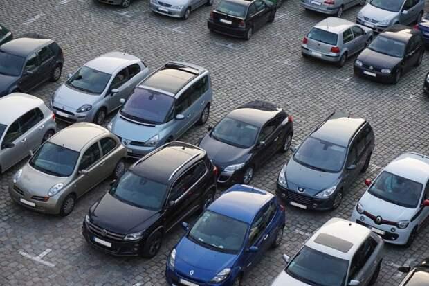 Бесплатная парковка откроется на Дубнинской улице