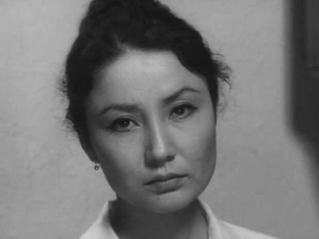 самые красивые советские актрисы: Таттыбюбю Турсунбаева. фото