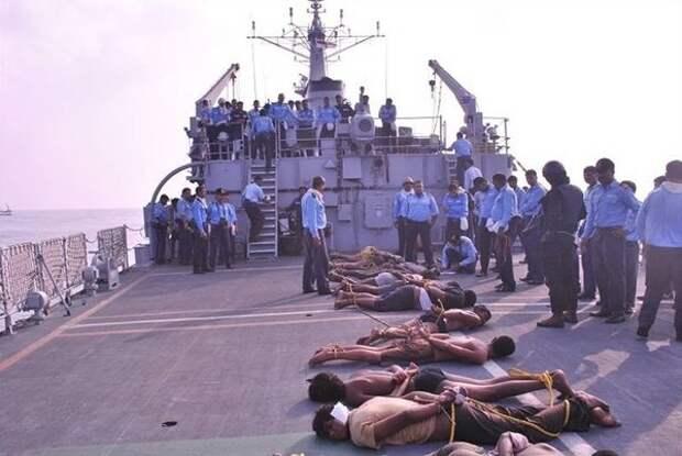 Пленённые сомалийские пираты
