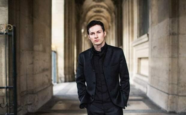 Жизнь Павла Дурова в фотографиях: отшельник или падкий на моделей бабник?