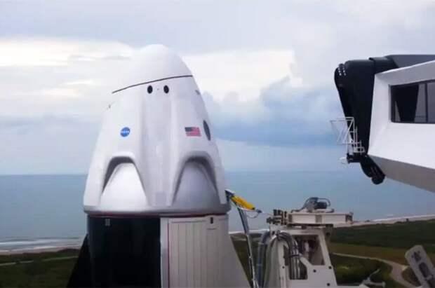 Crew Dragon прибудет с МКС позже назначенного срока