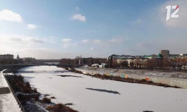 В омском МЧС предупредили о сильном ветре, мокром снеге и гололедице