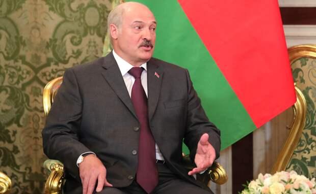 Лукашенко: Коронавирус может лечить онкологические заболевания (ВИДЕО)