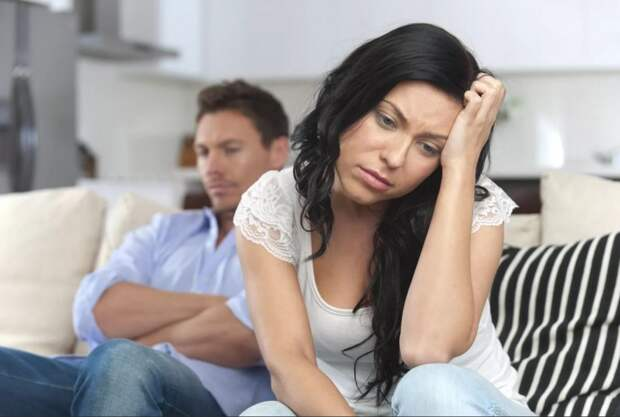 Муж устроился на тяжелую грязную работу, чтобы кормить семью, но жена недовольна