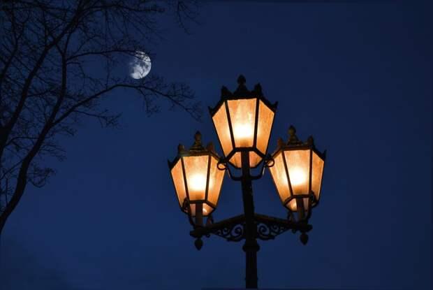 На Воротынской восстановили освещение во дворе