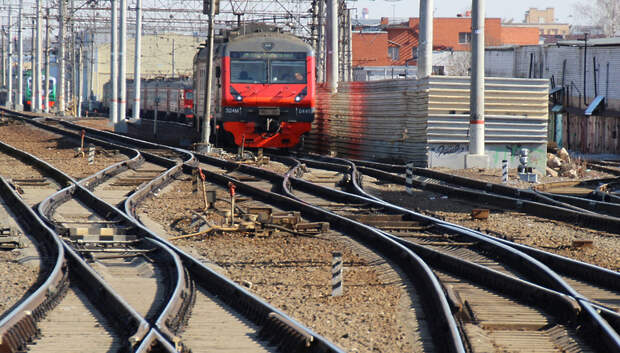 Пригородные поезда начали работать по летнему расписанию
