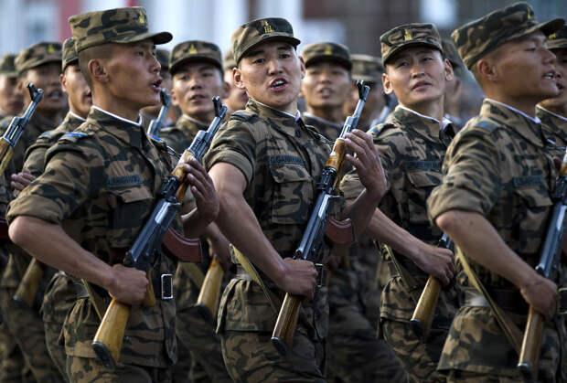 Монгольские солдаты
