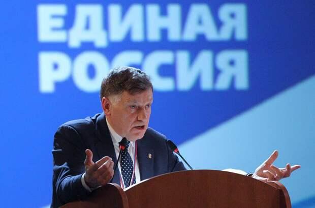 Макаров поблагодарил Вишневского и невидимых клерков