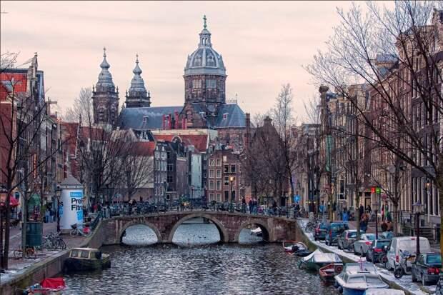 Amsterdam01 Амстердам в цифрах и фотографиях