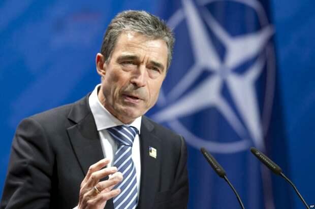 Андрес Фог Расмуссен, официальный представитель руководства НАТО. Источник изображения: https://vk.com/denis_siniy