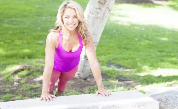 Женщина в 63 года выглядит на 35. По словам Дениз, секрет ее формы в спорте