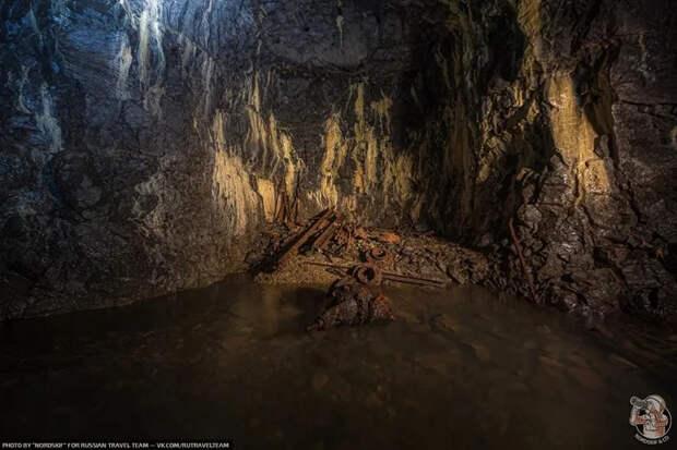"""""""Бесконечный"""": Нашли в зимнем лесу подземный тоннель — шли 3 часа, а он всё не кончался..."""