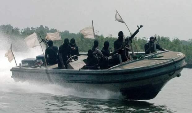 Пираты вторично напали наодин итотже танкер вГвинейском заливе