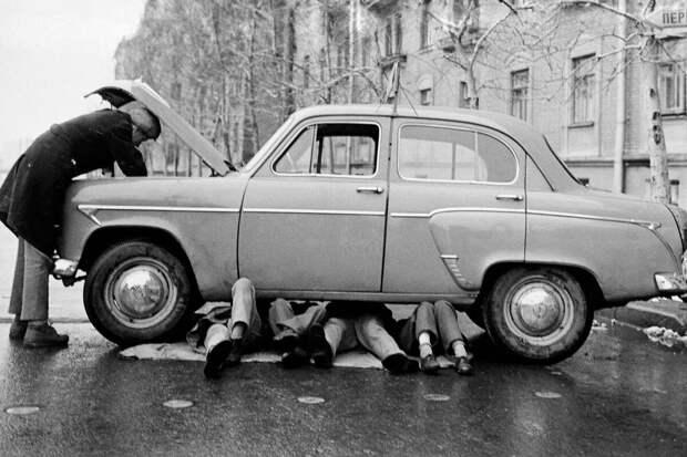 Стоимость владения автомобилем, велосипед против трамвая и российские экзоскелеты