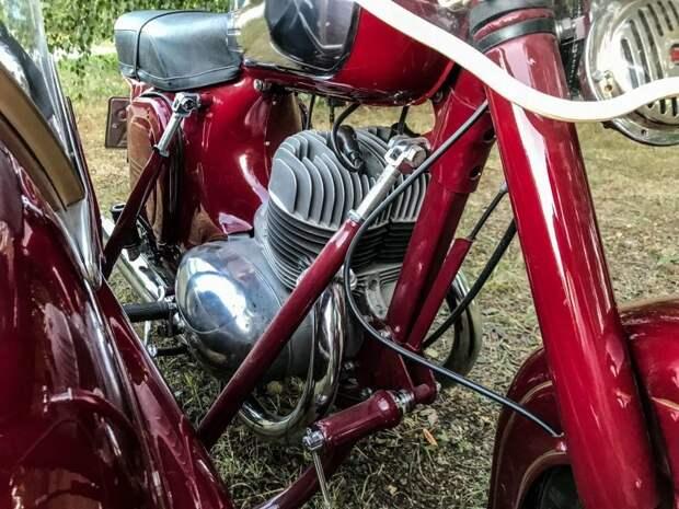 """Jawa 350 """"Старушка"""": вишневая классика на все времена авто, мото, мотоцикл, мотоцикл Ява, олдтаймер, ретро техника, ява"""