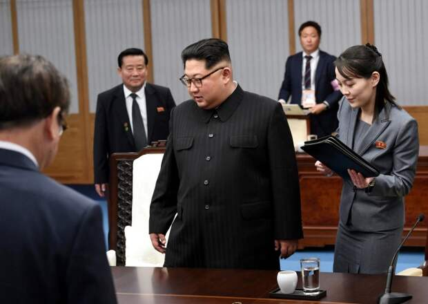 Ким Чен Ын и Ким Ё Чжон. / Фото: www.wp.com