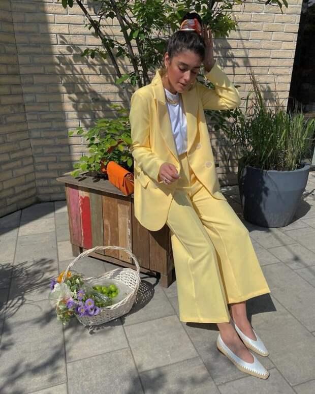 Что купить летом, чтобы носить сосенней одеждой: 6 стильных вещей