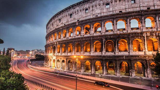 Количество туристов в Риме превысило все мыслимые уровни.