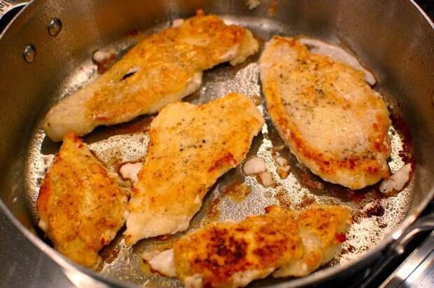 Куриное филе жареное в сыре: потрясающий результат!