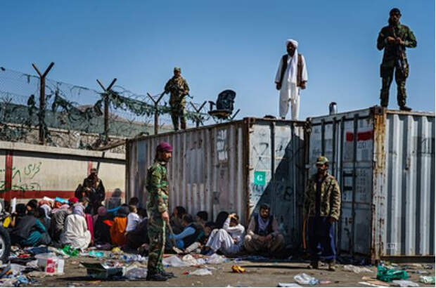 Спецназ талибов вошел на территорию аэропорта Кабула