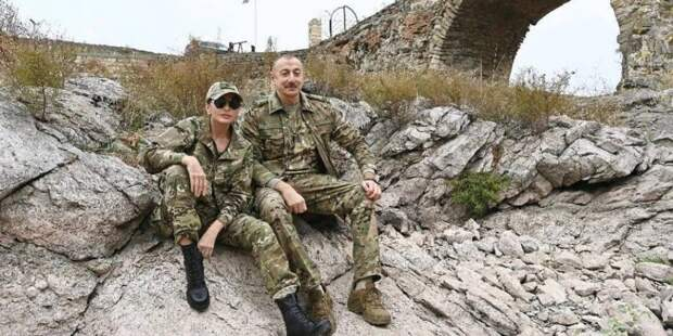 Иранцы сняли Алиева с женой в Карабахе через прицел снайпера