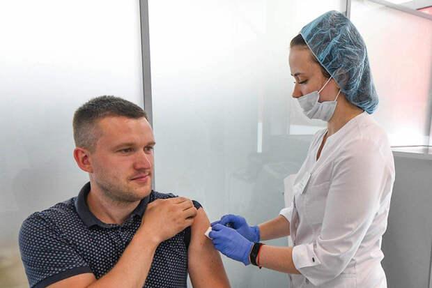 В Минздраве рассказали о жалобах у привитых вакциной от COVID-19