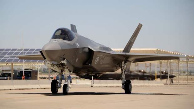Военный эксперт Кнутов: американский истребитель F-35 ничем не лучше образцов из 90-х