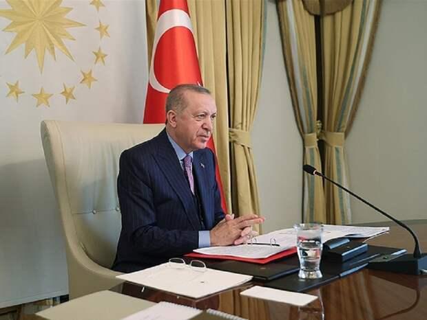 Президент Эрдоган ввел новые ограничения против COVID-19 в Турции
