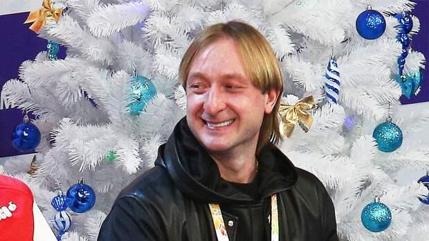 Плющенко показал, как его воспитанники прыгают двойной аксель с руками назад: «Новые фишки»