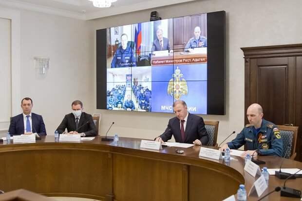 Главе Адыгеи представлен новый начальник Главного управления МЧС по республике