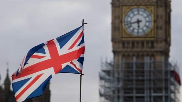 Британия превращается в «чумной остров»: Джонсон в третий раз закрыл всю страну из-за COVID