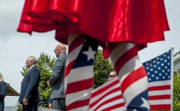 Конец гегемонии: Коронавирус добивает Америку, делая еще страшнее