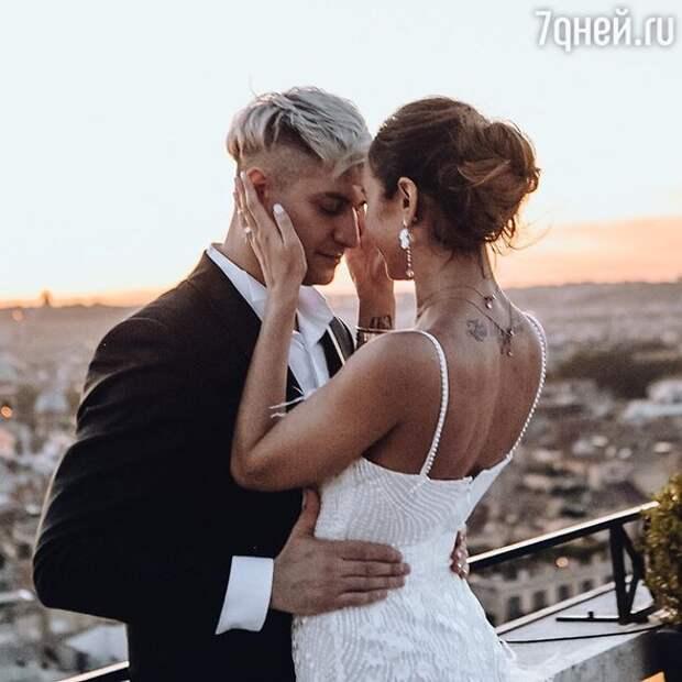 Возлюбленный Бузовой подогрел слухи о тайной свадьбе с певицей