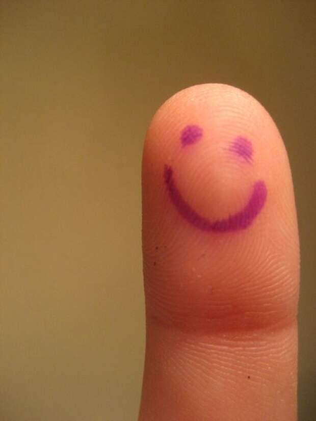 Забавные персонажи созданные  с помощью пальцев