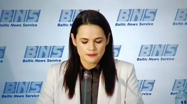 Тихановскую обматерили за приглашение Путина на переговоры по Белоруссии