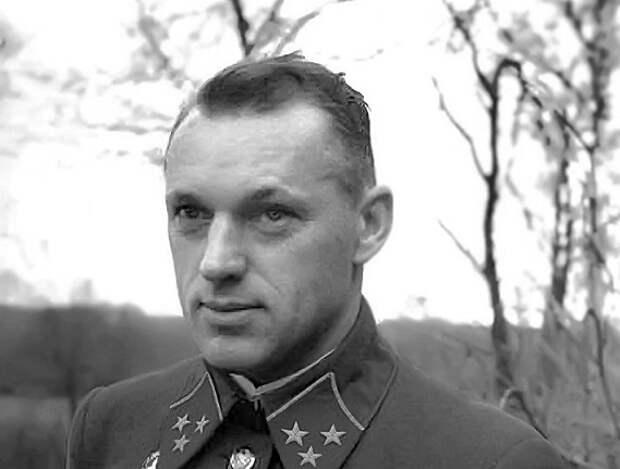 За что в 1939 году хотели расстрелять Константина Рокоссовского