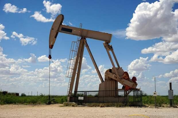 Неконтролируемый рост цен на нефть: эксперты о последствиях для экономики РФ